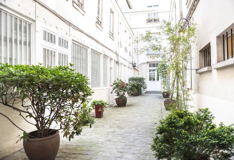 Dreamyflat - Archives, Paris, Courtyard