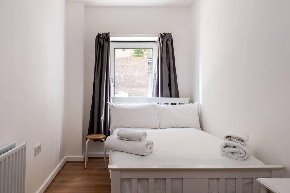 Apartment (3 Bedrooms) - Bilik