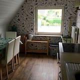 شقة - غرفتا نوم - مطبخ خاص