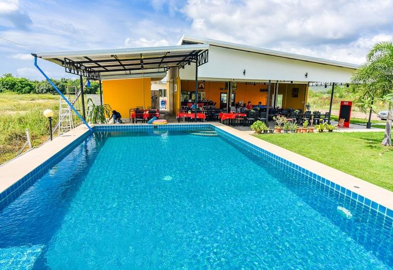 OYO 429 七岩窪地度假村, 七岩, 室外泳池