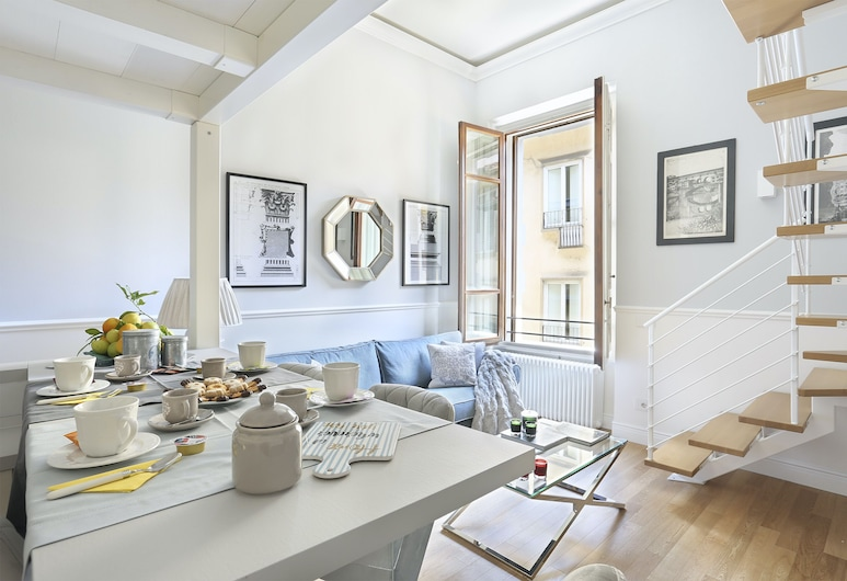Apartment in the heart of Florence, Florence, Apartment, 2 Bedrooms, Living Area