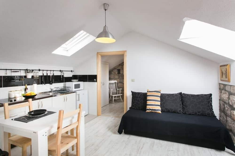 Apartment (One-Bedroom Apartment with Terrace) - Wohnzimmer