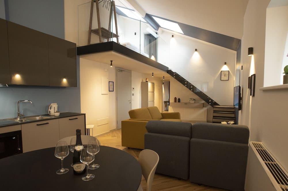 Design Duplex, 2 Bedrooms, Mountain View (South maisonette) - Living Area