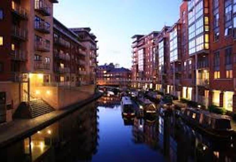 Birminghams Hidden Gem Garnet Apartment Sleeps 6 G, Birmingham, Appartement, plusieurs lits, Extérieur