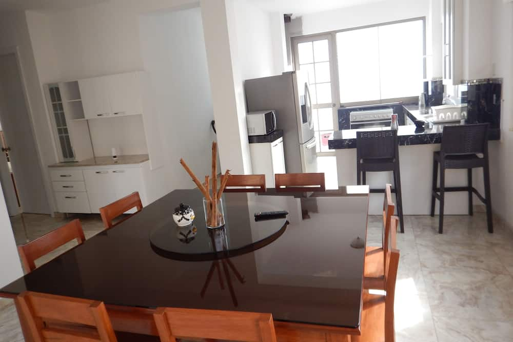 Luxury Apartment - In-Room Dining