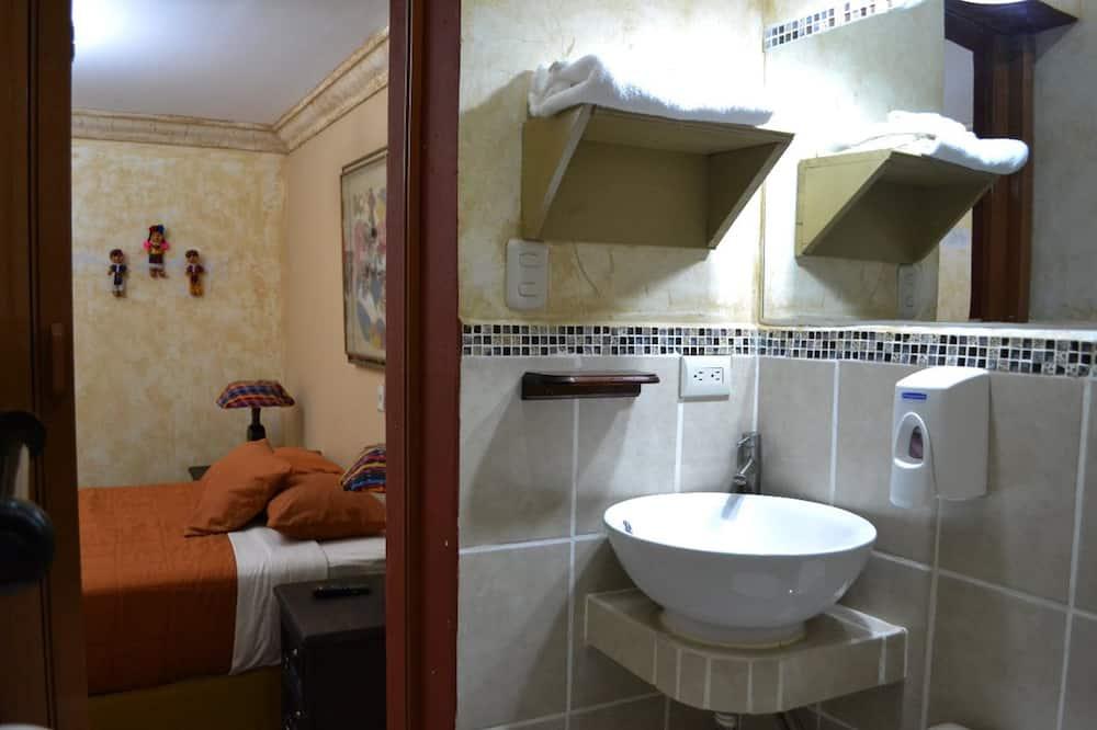 Klasikinio tipo kambarys - Vonios kambarys