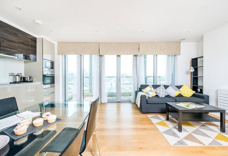 Modern 2BR Flat in East London, London, Loft, 2 Bedrooms, Living Room