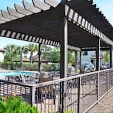 Talo, Useita sänkyjä (Villa Lago 1844 (Fr)(2G)- 4BR 4BA + D) - Uima-allas