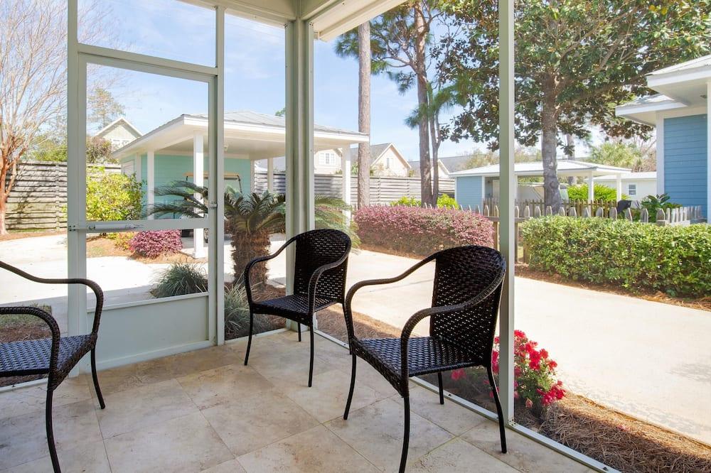 House, Multiple Beds (Deja Blue- Golf cart and plenty of pa) - Balcony