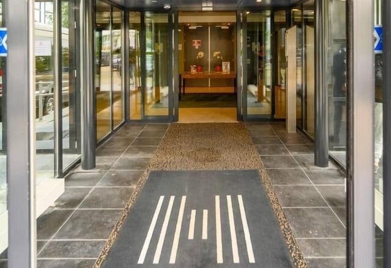 阿姆斯特丹機場海德公園住宅酒店, 胡夫多普, 酒店正面