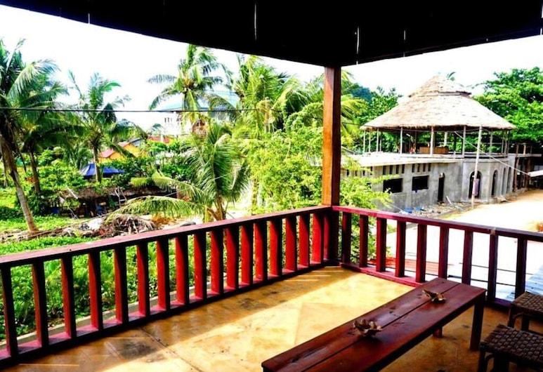 Blue Quay Hostel, Koh Rong Sanloem, Terraza o patio