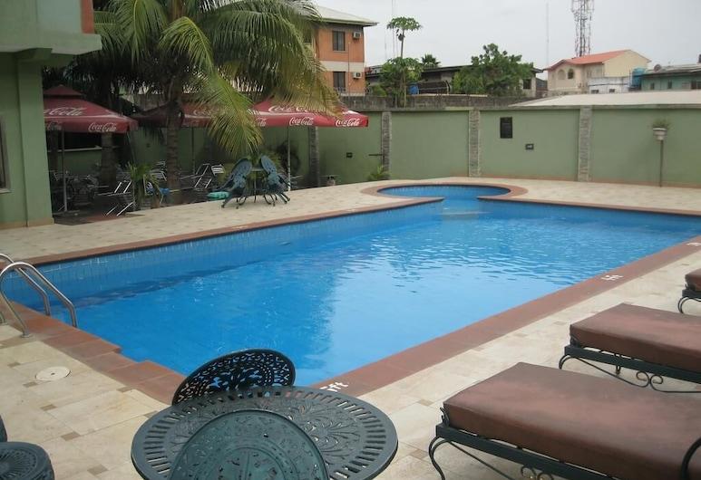 Newton Hotel Festac, Lagosas