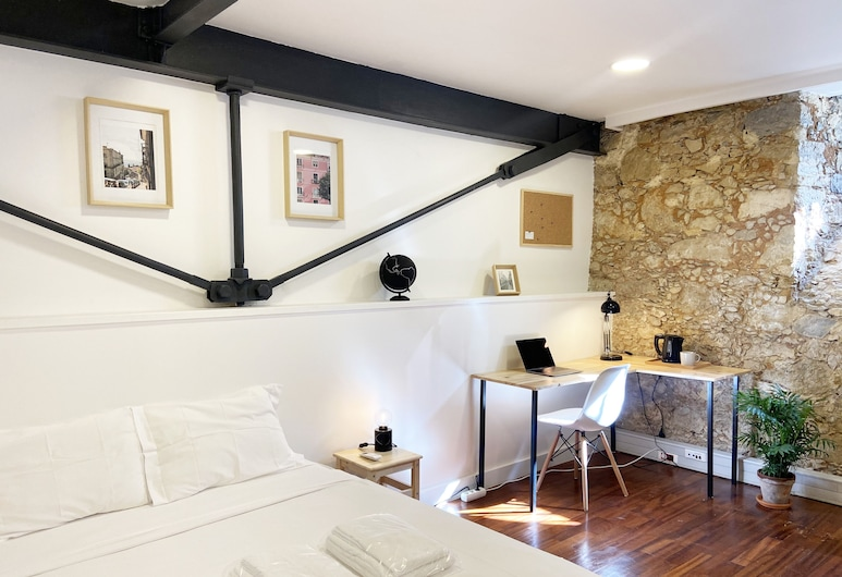 Draper Startup House for Entrepreneurs, Lisbon, Business Quadruple Room, Shared Bathroom, Guest Room