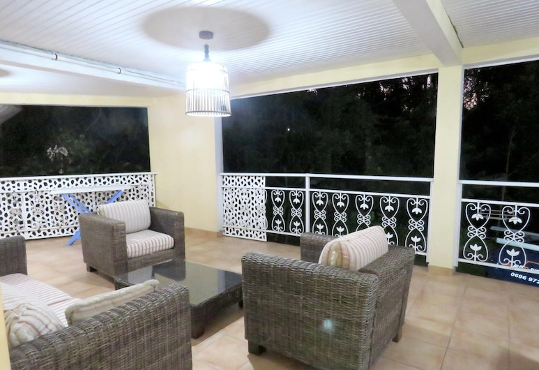 Apartment With 2 Bedrooms in Gros-morne, With Enclosed Garden and Wifi, Gros-Morne, Terasa