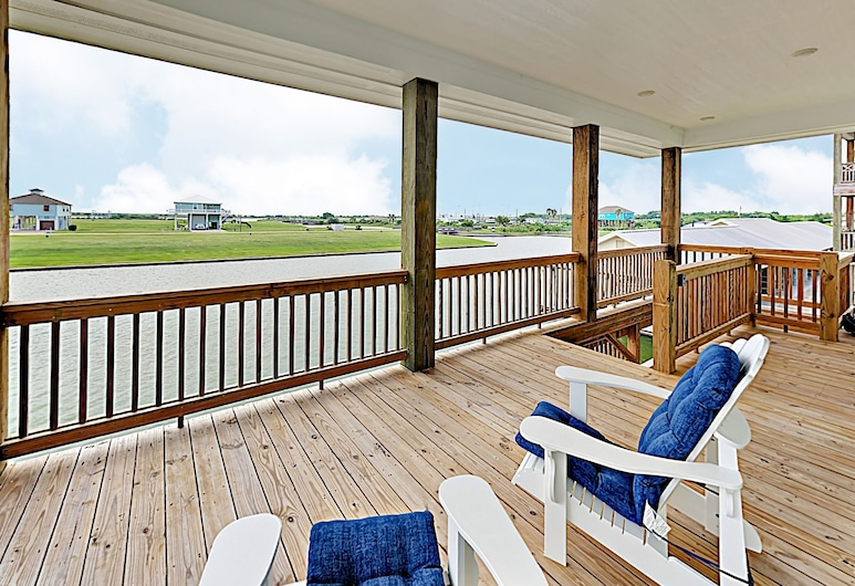 New Listing! Newly Built Waterfront W/ Deck 2 Bedroom Home, Port Bolivar, House, 3 Bedrooms, Balcony