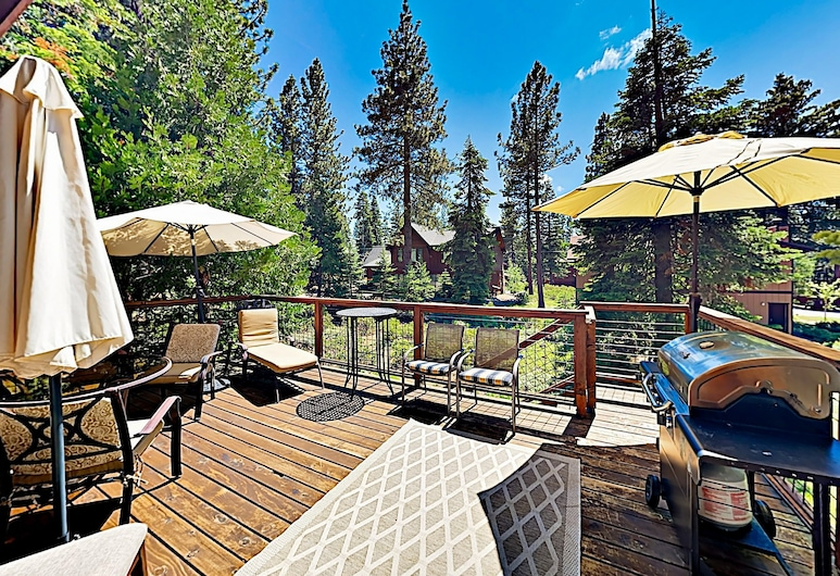New Listing! Large Near Lake Tahoe & Beach 5 Bedroom Home, Tahoe City, House, 5 Bedrooms, Balcony