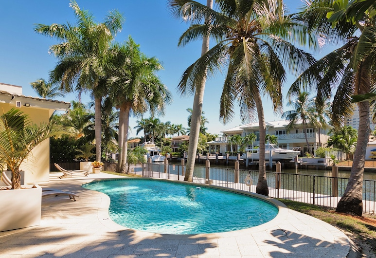 New Listing! Seven Isles Haven W/ Pool & 75 Dock 4 Bedroom Home, Fort Lauderdale