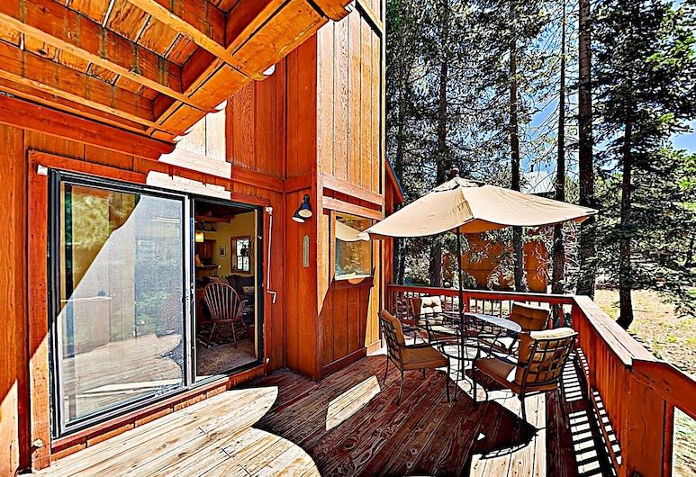 Luxe By Tahoe Donner Amenities & Ski Resorts 3 Bedroom Home, Truckee, House, 3 Bedrooms, Balcony