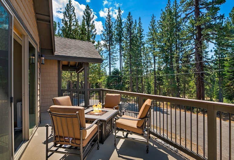 New Listing! New Mountain-view Haven W/ Balcony 3 Bedroom Home, Tasik Tahoe Utara, House, 3 Bedrooms, Balkoni
