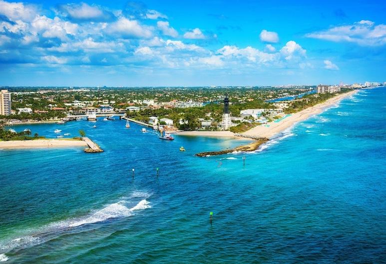 New Listing! Updated Beach W/ Sparkling Pool 1 Bedroom Condo, Pompano Beach, Byt, 1 spálňa, Pláž