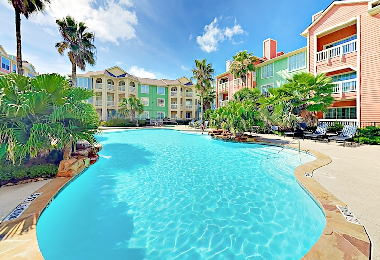 New Listing! Gulf Tropicana - Beach Access & Pools 2 Bedroom Condo, Galveston, Condo, 2 Bedrooms, Pool