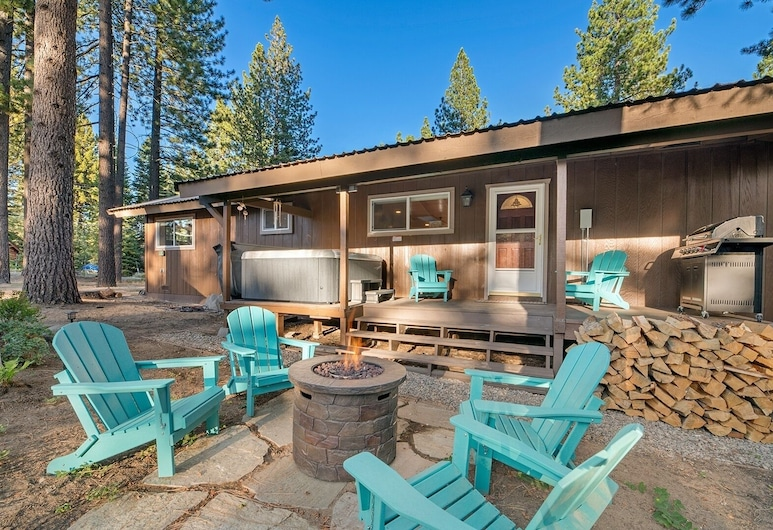 New Listing! Alpine Haven W/ Sauna & Hot Tub 3 Bedroom Home, South Lake Tahoe, House, 3 Bedrooms, Balcony