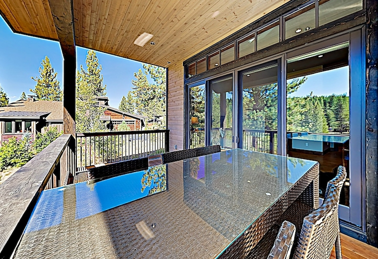 New Listing! All-suite Dream Lodge Near Top Skiing 3 Bedroom Home, Truckee, Maison, 3 chambres, Balcon