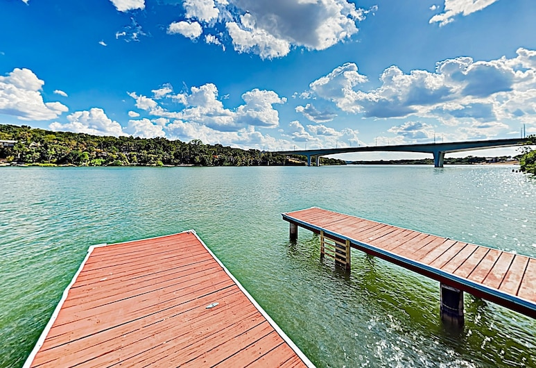 New Listing! Mid-century Modern Lake House W/ Pool 2 Bedroom Home, Marble Falls, House, 2 Bedrooms, Lake