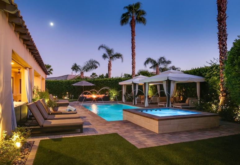 New Listing! Opulent 3-unit W/ Private Pool 7 Bedroom Home, Indio