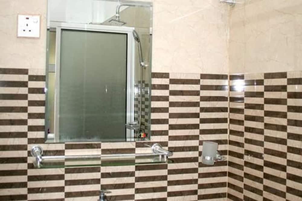 Apart Daire, Birden Çok Yatak - Banyo