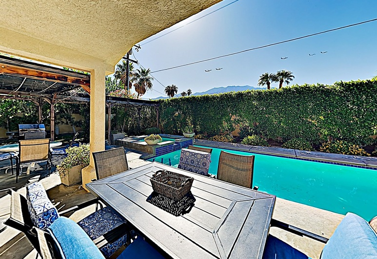New Listing! Mediterranean Oasis W/ Pool & Spa 4 Bedroom Home, Palm Springs, House, 4 Bedrooms, Balkoni
