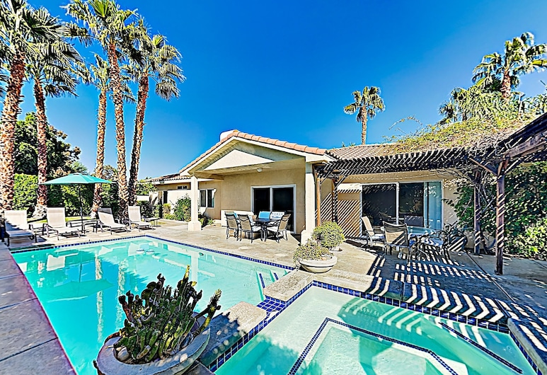 New Listing! Mediterranean Oasis W/ Pool & Spa 4 Bedroom Home, Παλμ Σπρινγκς
