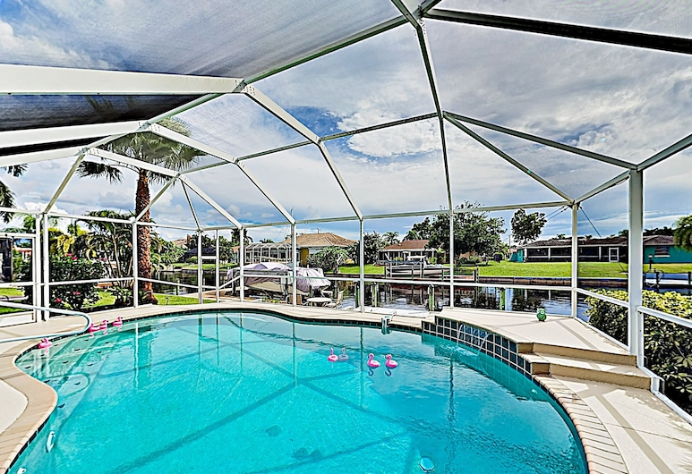 新刊登 - 運河前避風港 3 房之家飯店 - 附籠式游泳池 , 珊瑚角, 獨棟房屋, 3 間臥室, 游泳池