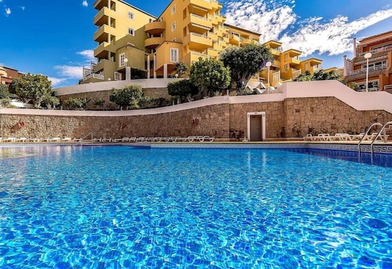 Apartment With one Bedroom in Costa Adeje, With Shared Pool, Furnished Terrace and Wifi, Adeje