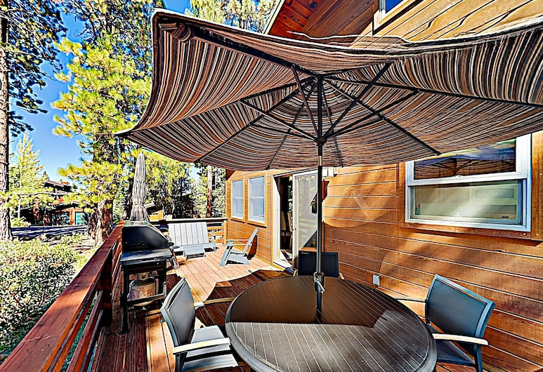 Remodeled W/ Shuttle To Northstar Village 3 Bedroom Home, Truckee, House, 3 Bedrooms, Balcony