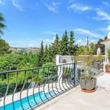 Villa, 4 Bedrooms - Balcony