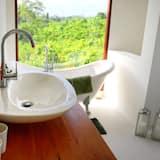Honeymoon Apartment - Private spa tub