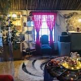 Cabin, 1 King Bed - Living Room