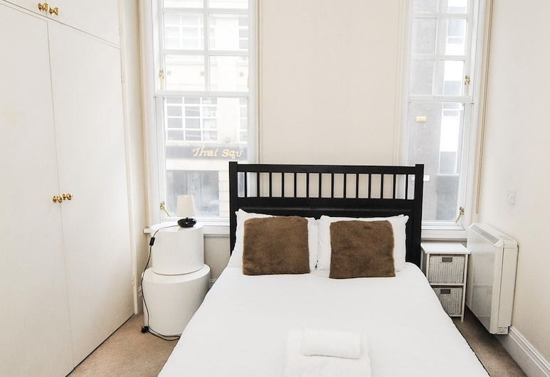 Bright and Spacious 1 Bedroom Apartment, London, House, 1 Bedroom, Room