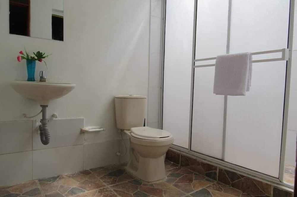 Room, Mixed Dorm, Shared Bathroom (Three bunk beds, up to six guests) - Bathroom