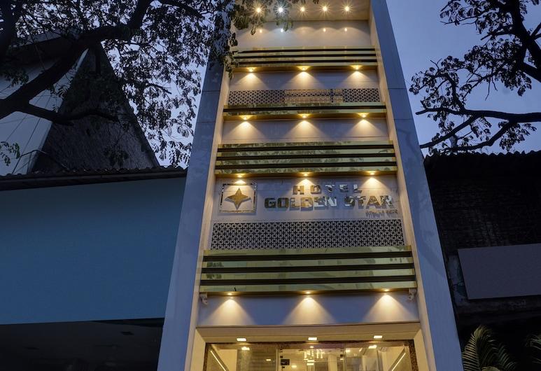Treebo Trip Golden Star, Bombay, Otelin Önü - Akşam/Gece
