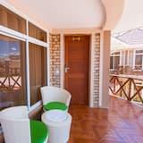 Номер-люкс із покращеним обслуговуванням, 1 спальня, з видом на сад - Балкон