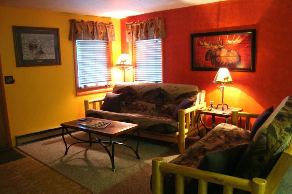 Moose Cabin - Living Area