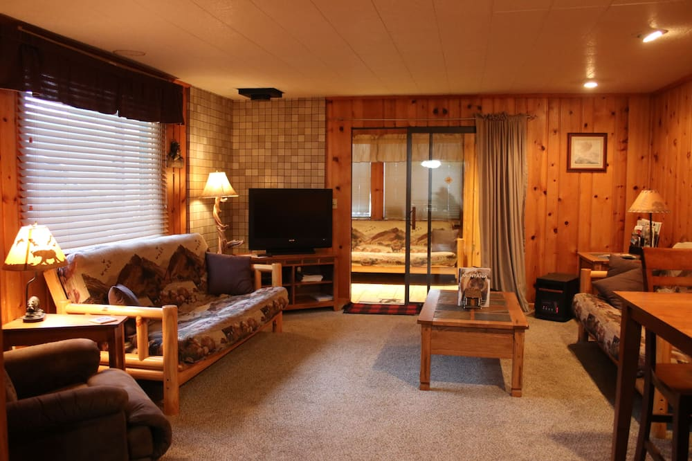Yellowstone Wildlife Cabins
