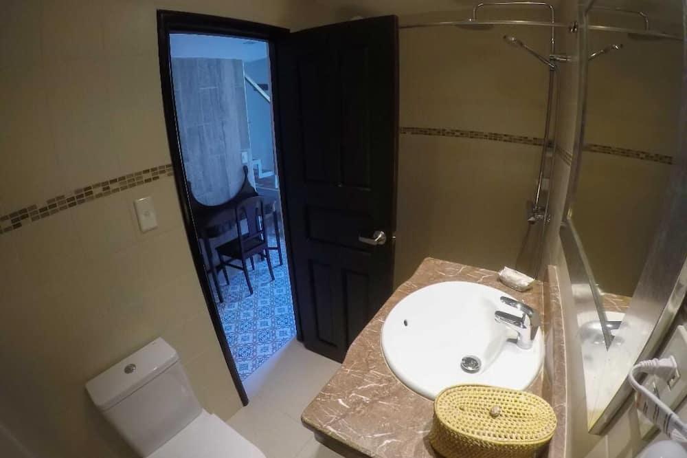 Design apartman, 2 hálószobával, concierge szolgáltatás, kilátással a parkra - Fürdőszoba