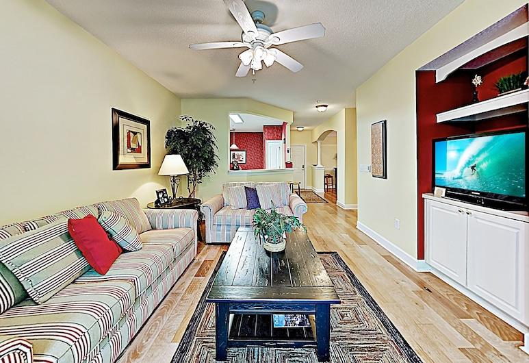 Exclusive Greenbriar W/ Golf & Beach Shuttle 2 Bedroom Condo, North Myrtle Beach