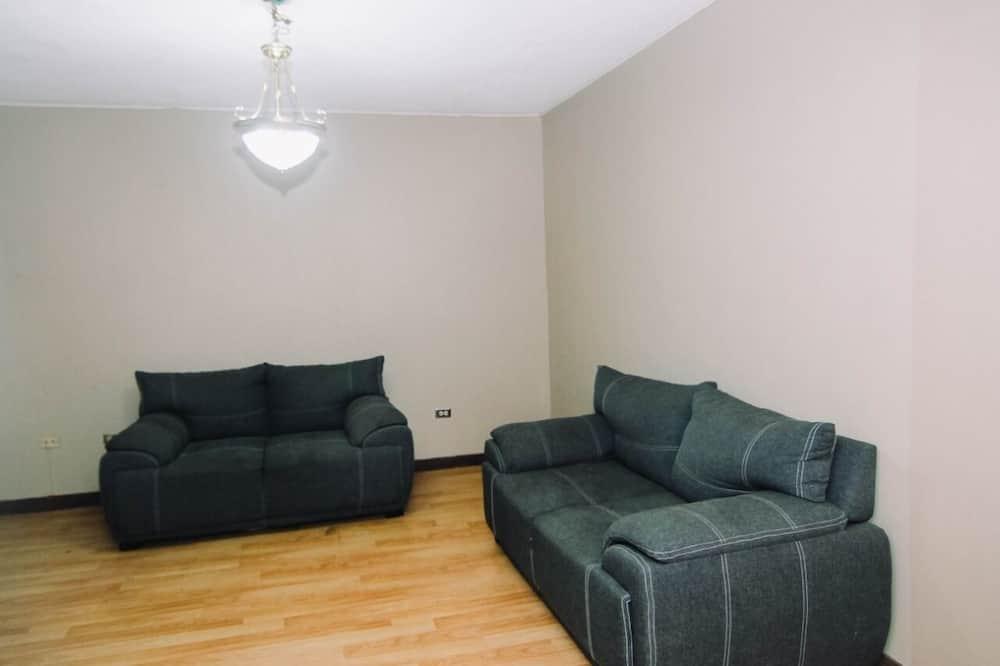 Habitación Principal - Living Room