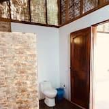 Standard Δίκλινο Δωμάτιο (Double), 1 Διπλό Κρεβάτι, Βεράντα, Θέα στη Λίμνη - Μπάνιο