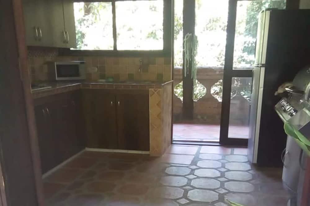 Μικρό Σπίτι - Κοινόχρηστη κουζίνα