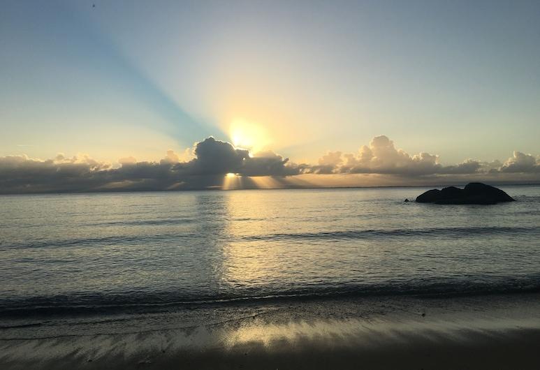 Le Rocher, Nosy Boraha, Bãi biển